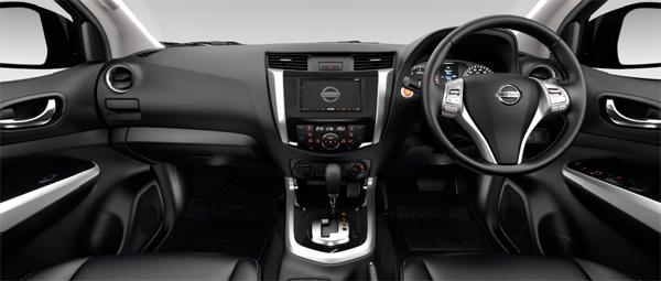 Nissan-NP300-Navara-interior