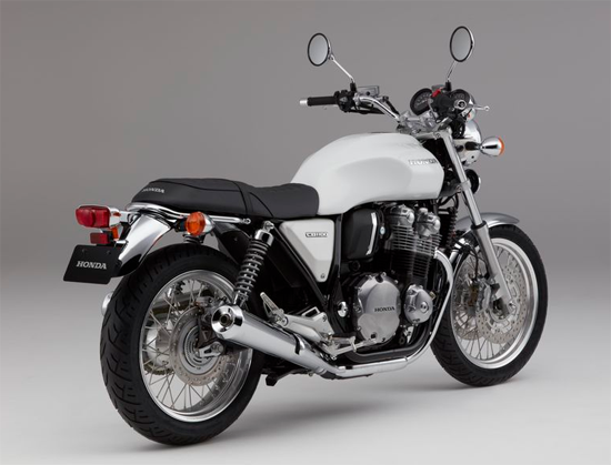 Honda CB1100EX สีขาว