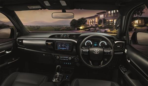 Toyota Revo 2018
