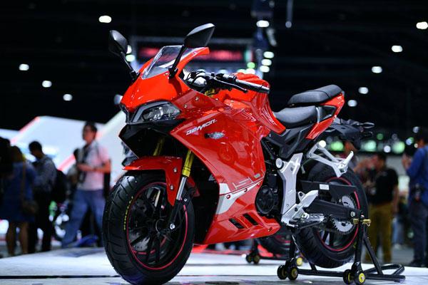 Demon 150 GR สีแดง