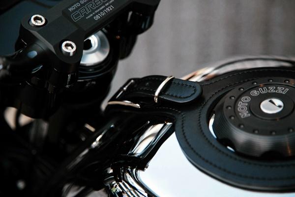 Moto Guzzi V7 III Carbon Shine