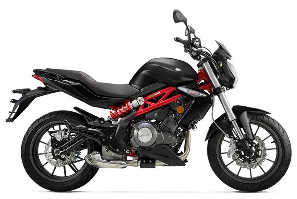 Benelli TNT 300 สีดำ