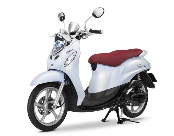 Fino 2019-2020 Premium สีขาว