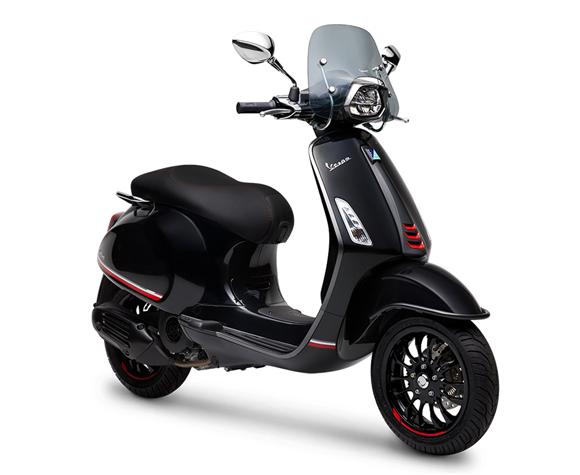 Vespa Sprin 150 Carbon Edition สีดำ