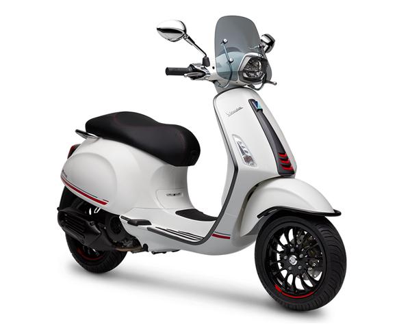Vespa Sprint 150 Carbon Edition สีขาว