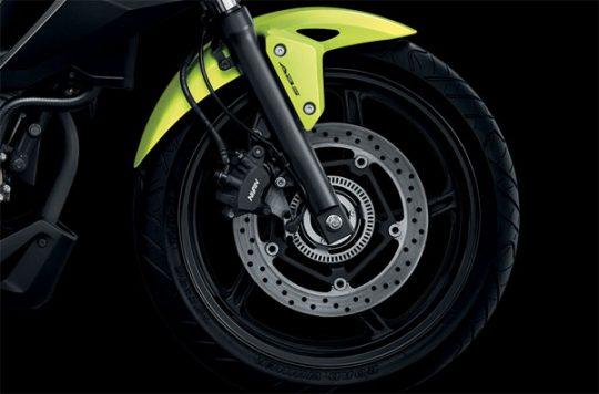 honda-cb300f-disc-brake
